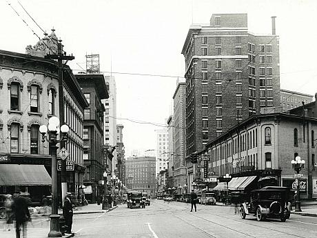 Monroe Ave. at Division Ave., 1928