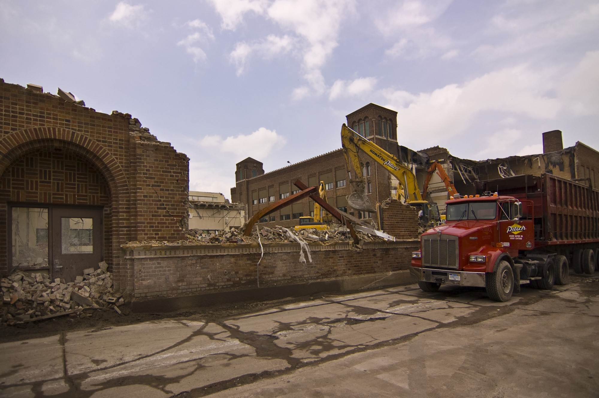 demolition of iroquois middle school  looking nw