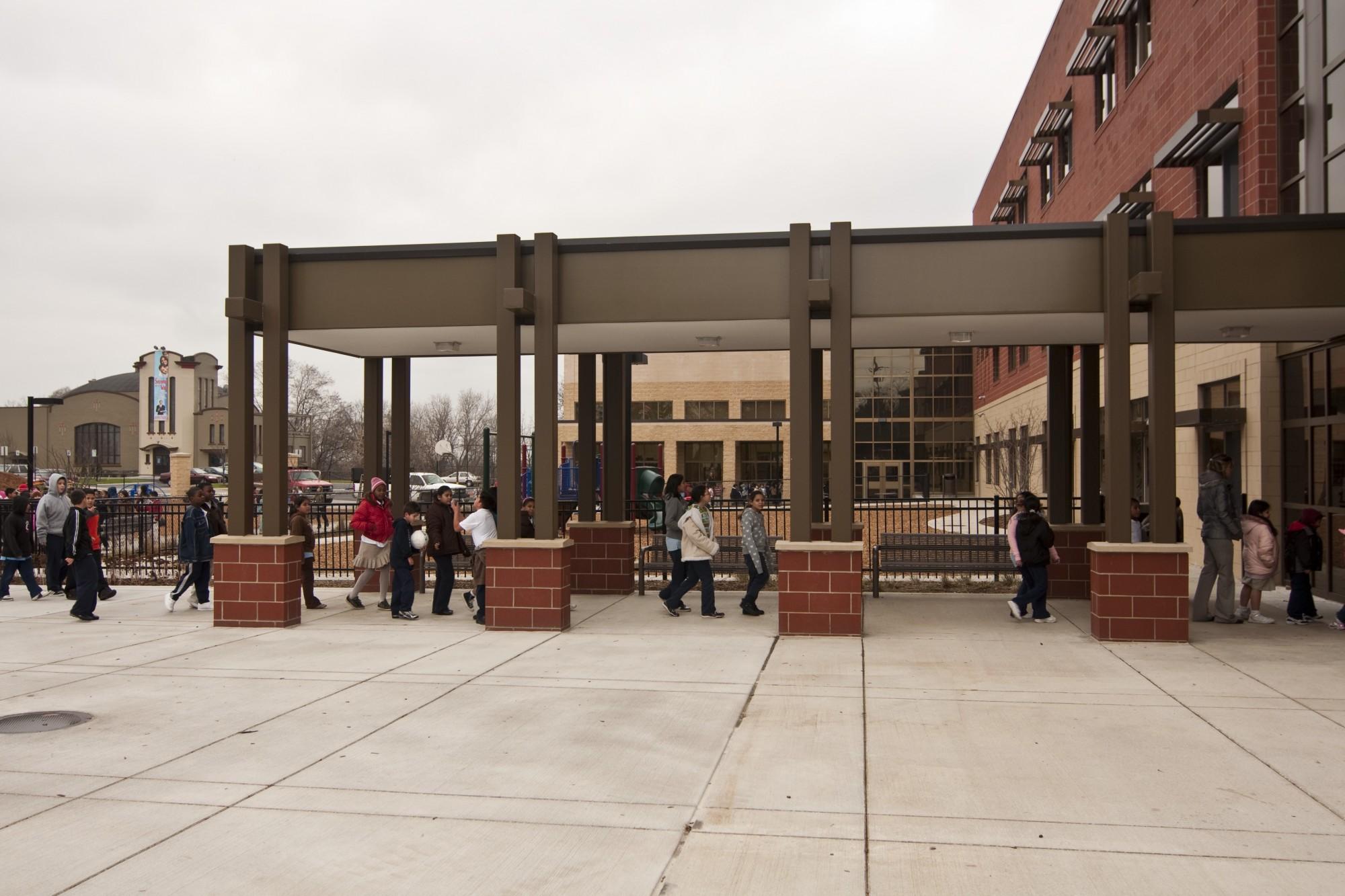 cesar e  chavez elementary school  entrance