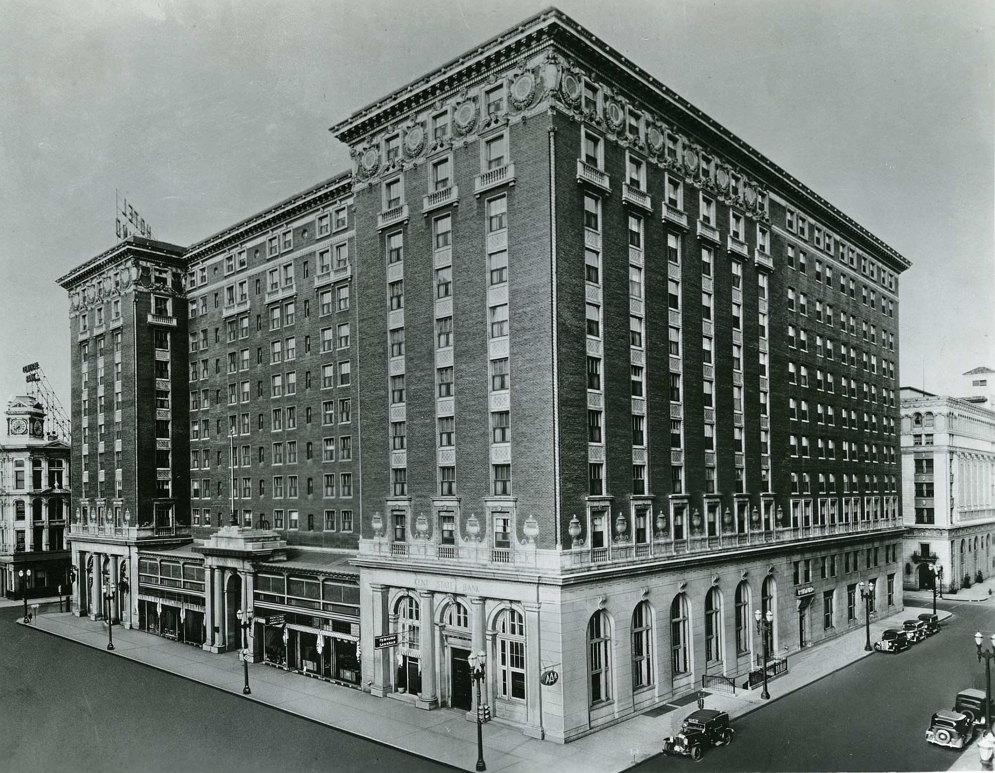 Pantlind hotel history grand rapids for Architects in grand rapids mi