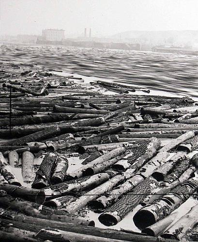 1883 : Nation's Largest Logjam Threatens Grand Rapids