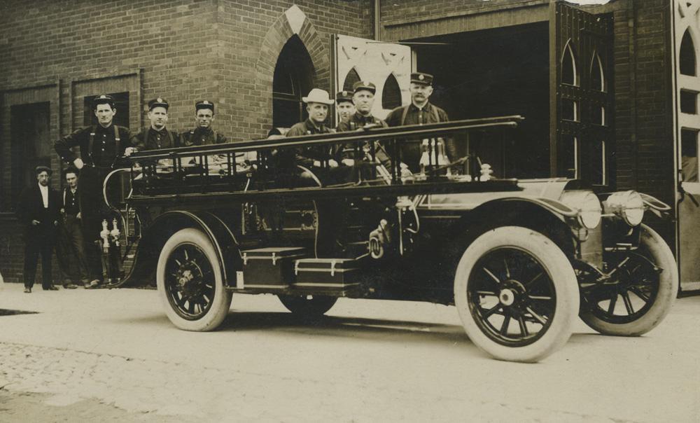 1910 oldsmobile fire engine