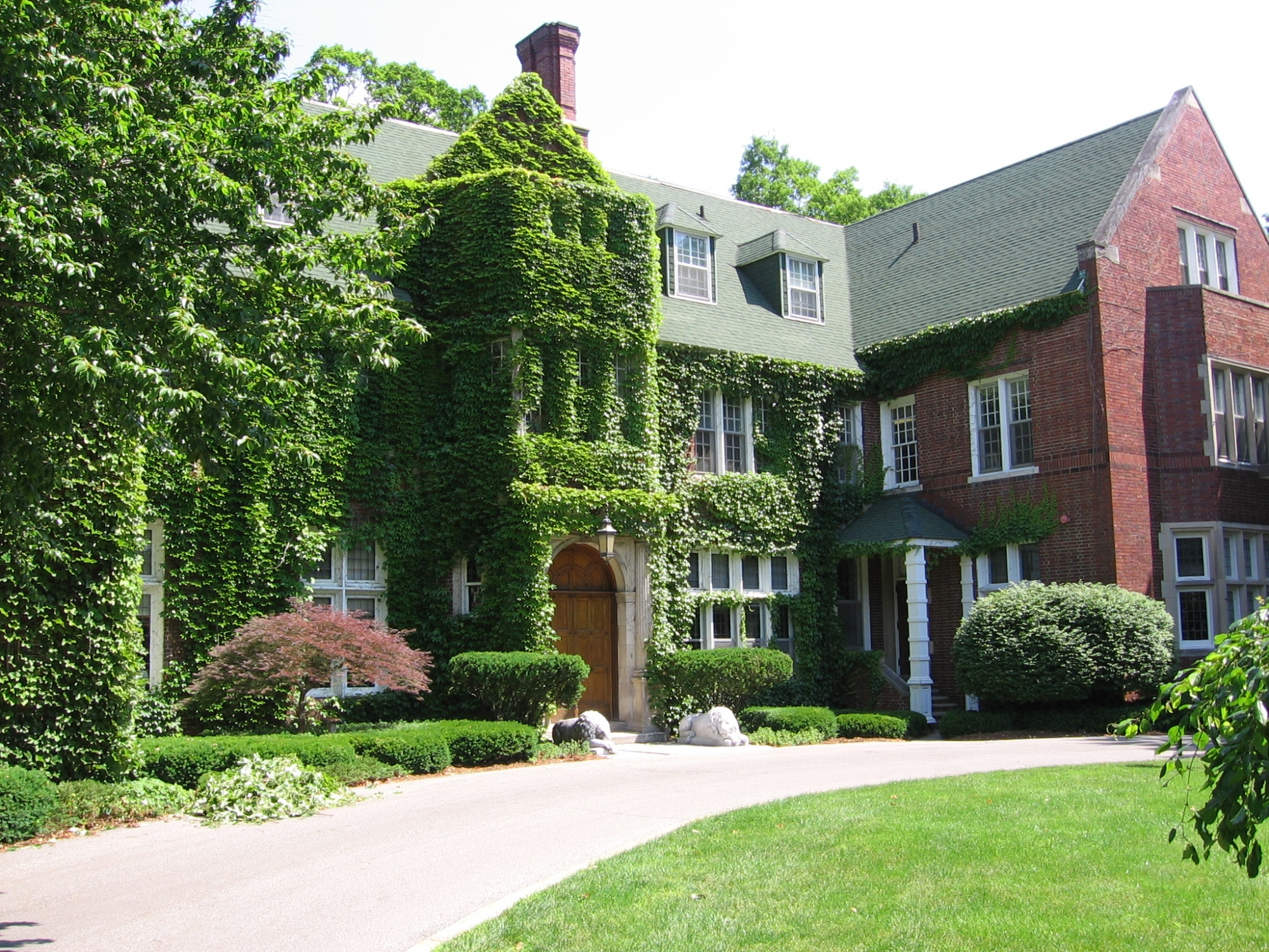 Holmdene Estate, Aquinas College Campus | History Grand Rapids