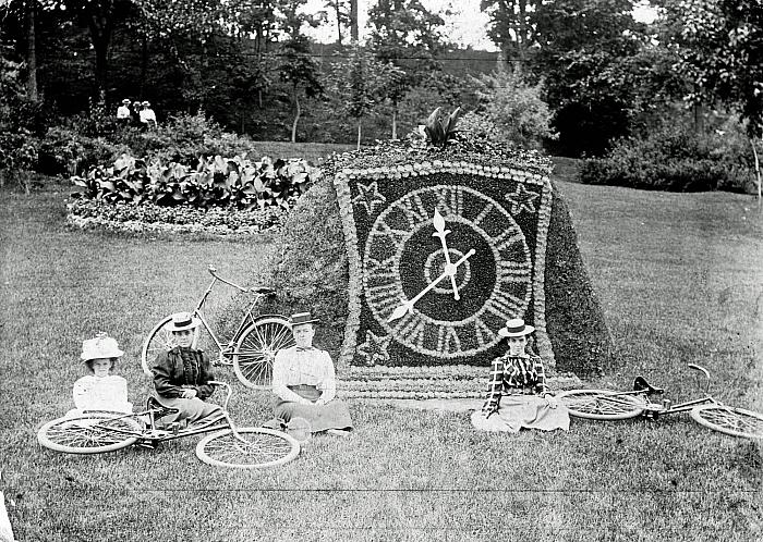 Flower Clock at John Ball Park