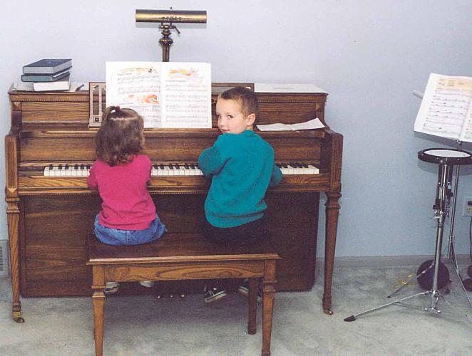 Egner Children at the Piano